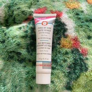 First Aid Beauty : Hello Fab Oil Free Primer